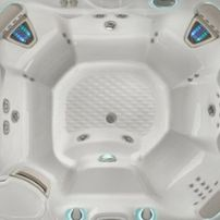 Highlife  THE GRANDEE® 7 PERSON HOT TUB