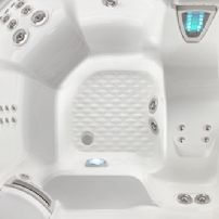 Highlife  THE ARIA® 5 PERSON HOT TUB